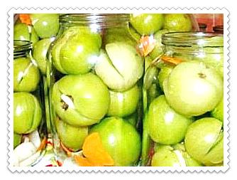 marinovannye zelenye pomidory s chesnokom