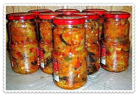 salat desjatka iz baklazhanov na zimu