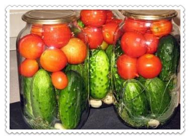 assorti iz ogurcov i pomidorov na zimu samyj vkusnyj