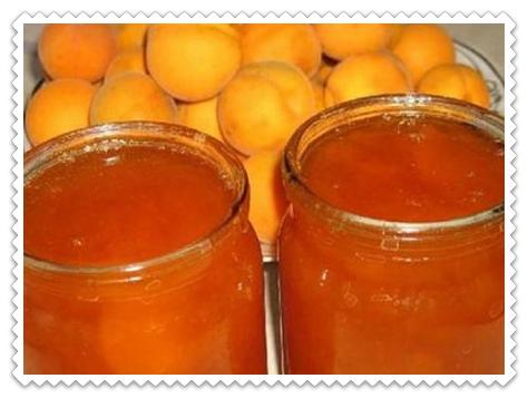varen'e iz abrikosov v hlebopechke