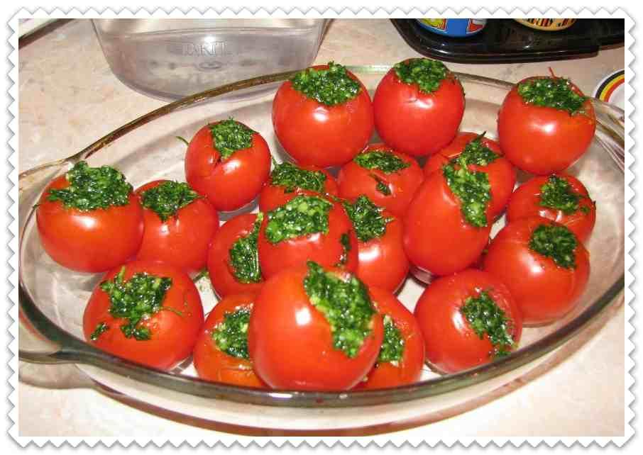 Способ засолки зеленых помидоров - 8 пошаговых фото в рецепте