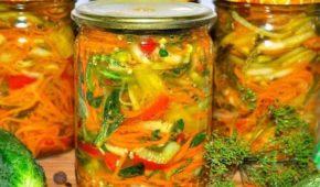 Миниатюра к статье Бесподобный «Осенний» салат на зиму: свежесть в каждой банке